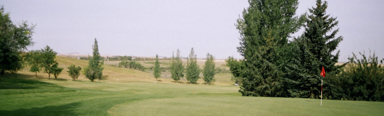 里贾纳市提前开放高尔夫球场